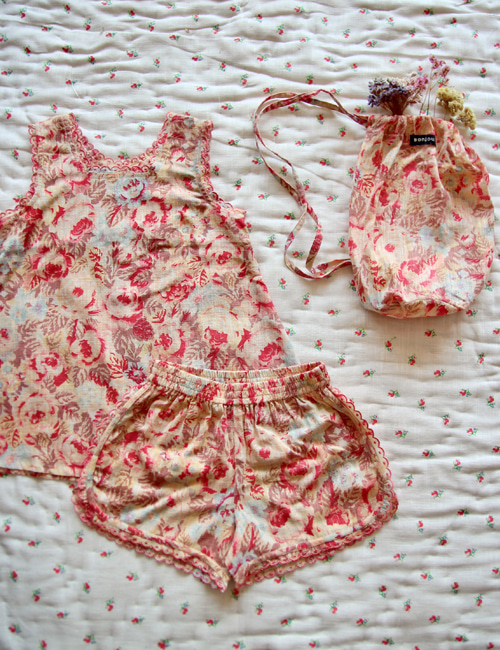 [BONJOUR DIARY] Pyjama set with scallop embroidery _ Big flower print[2-3Y, 4Y]