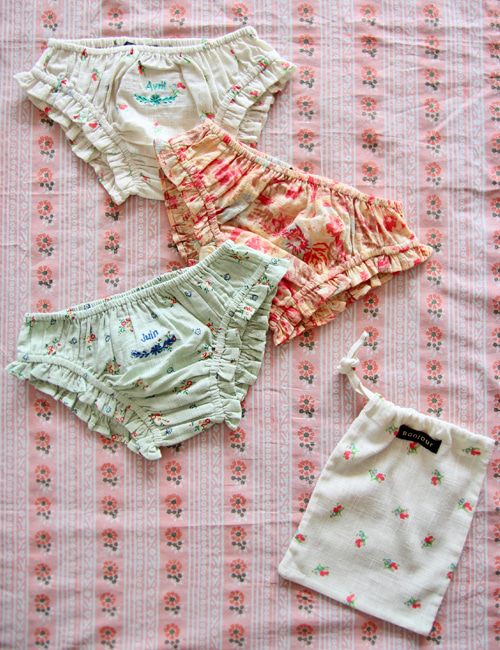 [BONJOUR DIARY] 3 pc Panty pack with pouch (15*20 cm) _ Small flower print & Big flower print & Mint flower print[4Y, 6Y, 10Y]