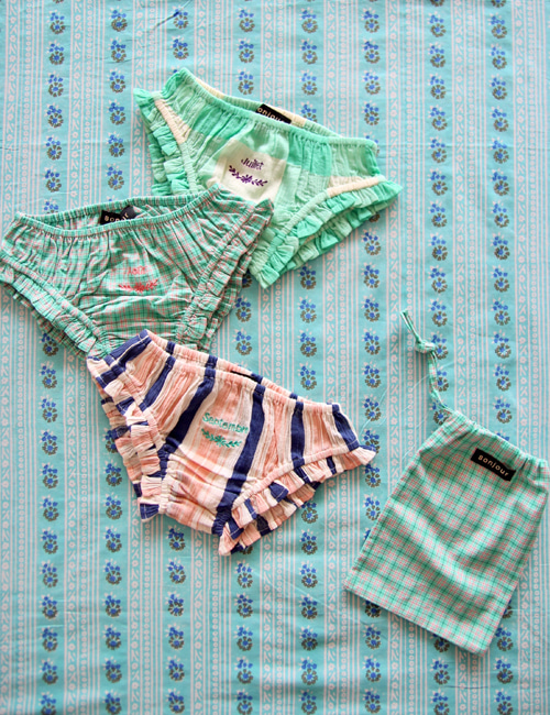 [BONJOUR DIARY] 3 pc Panty pack with pouch (15*20 cm) _ Big vichy check & crepe + Mint check & big stripe[4Y, 6Y, 8y, 10Y]