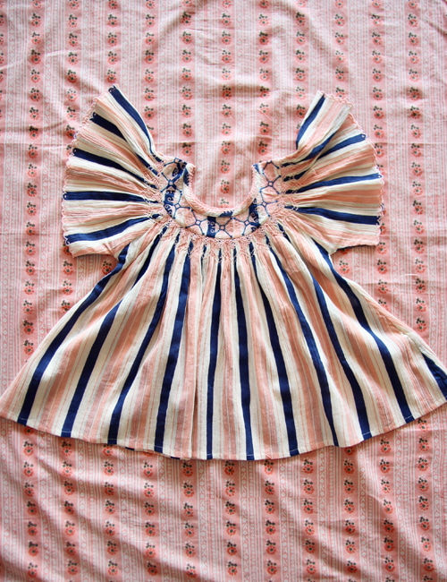 [BONJOUR DIARY] Butterfly blouse with new emb & smocking _ Big stripe[4Y]
